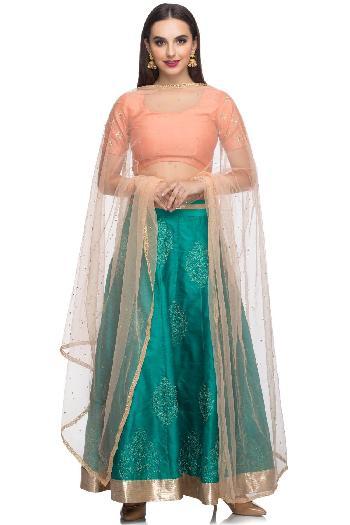 5b42c0ea83dea0 Ayanaansh by Mayanka Gupta ethnic Lehenga Set Emerald Green   Peach lehenga  for rent